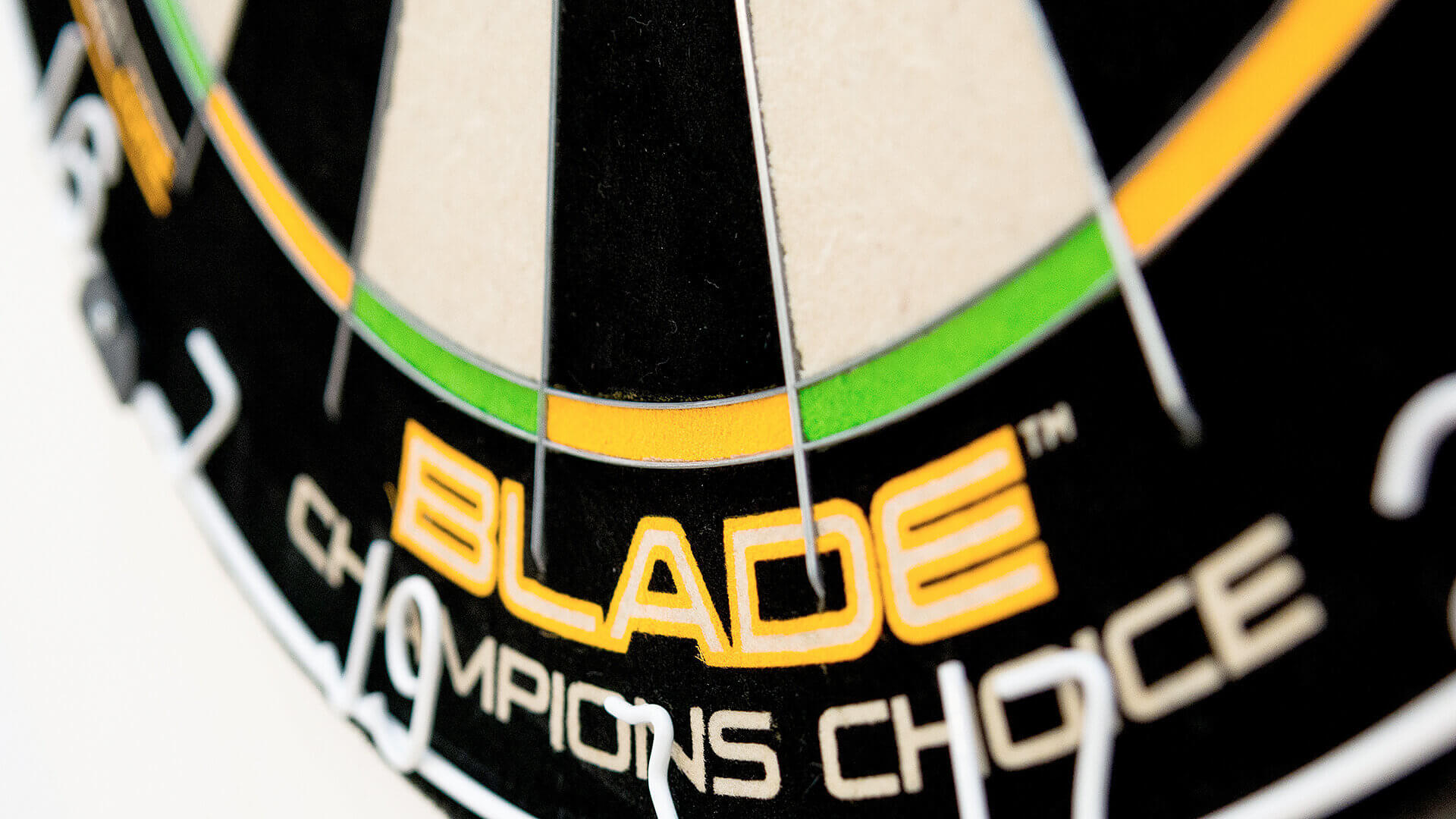 Winmau - Blade 5 Champion Choice Steeldartboard